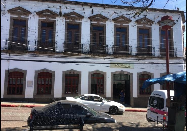 EDIFICIO COMERCIAL EN RENTA EN TACAMBARO